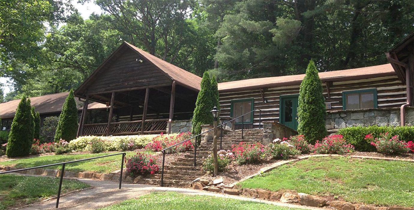 Tryon-Country-Club-Lodge